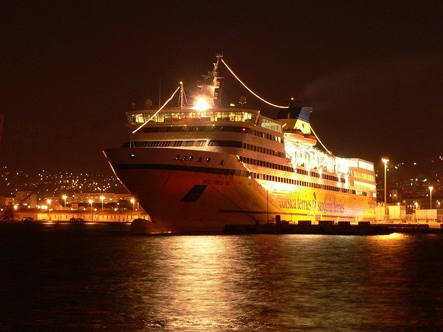 Croisière en yacht : pourquoi choisir ce mode de voyage pour votre lune de miel ?