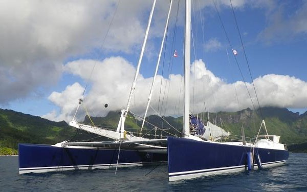 Location maxi-catamaran
